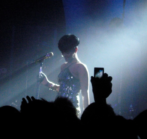 Is live music your thing, or does Spotify satisfy? Yeah, that's a real pic of Rihanna =)